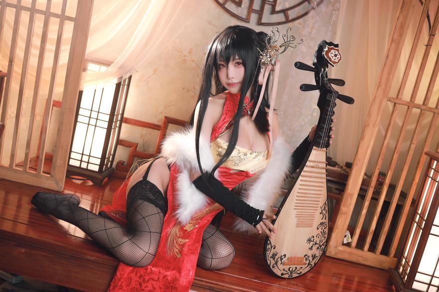 Azur Lane Taihou cosplay af Aqua