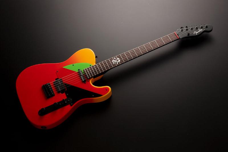 Fender laver en Evangelion guitar