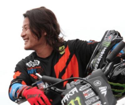 東野貴行のバイクは空を飛ぶ!?フリースタイルモトクロスで日本人初の快挙!