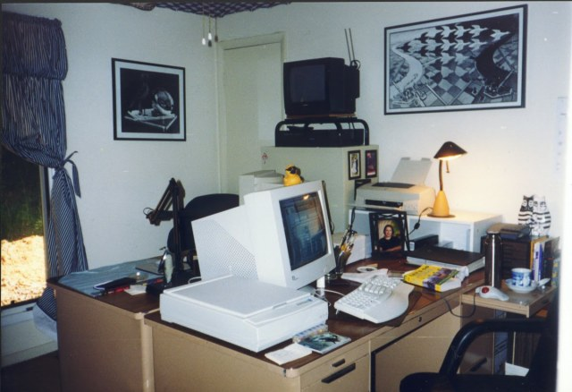 19980518-2004 Home Office220