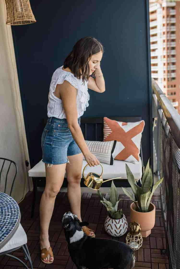 How To Decorate Your Apartment Balcony