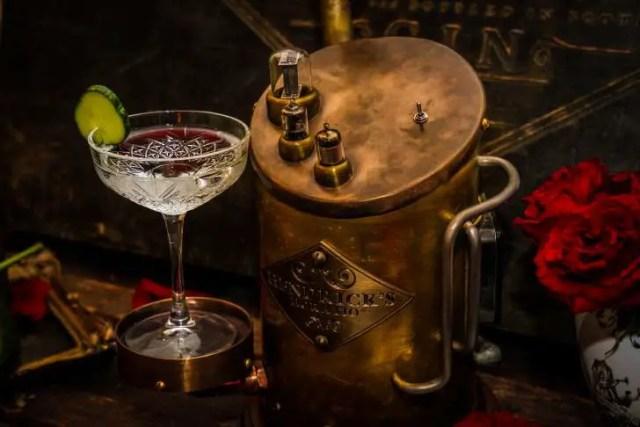 Hendrick's gin horatio speaker