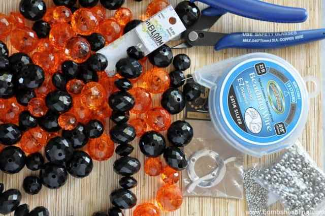 glam-halloween-necklace-1