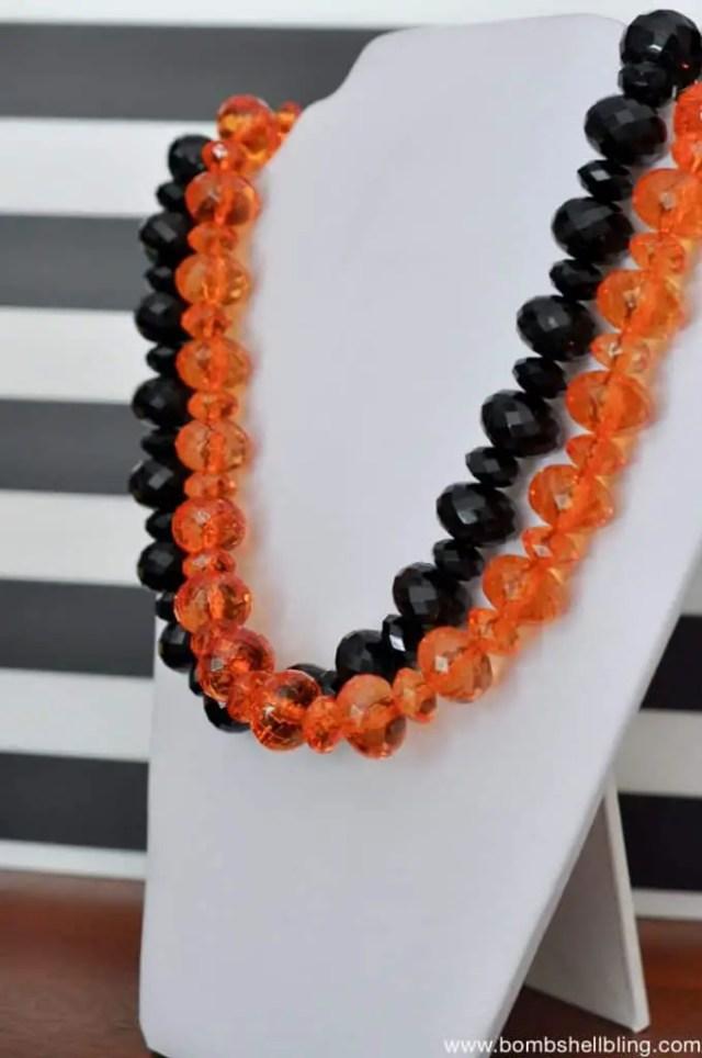 glamorous-adult-halloween-necklace-3