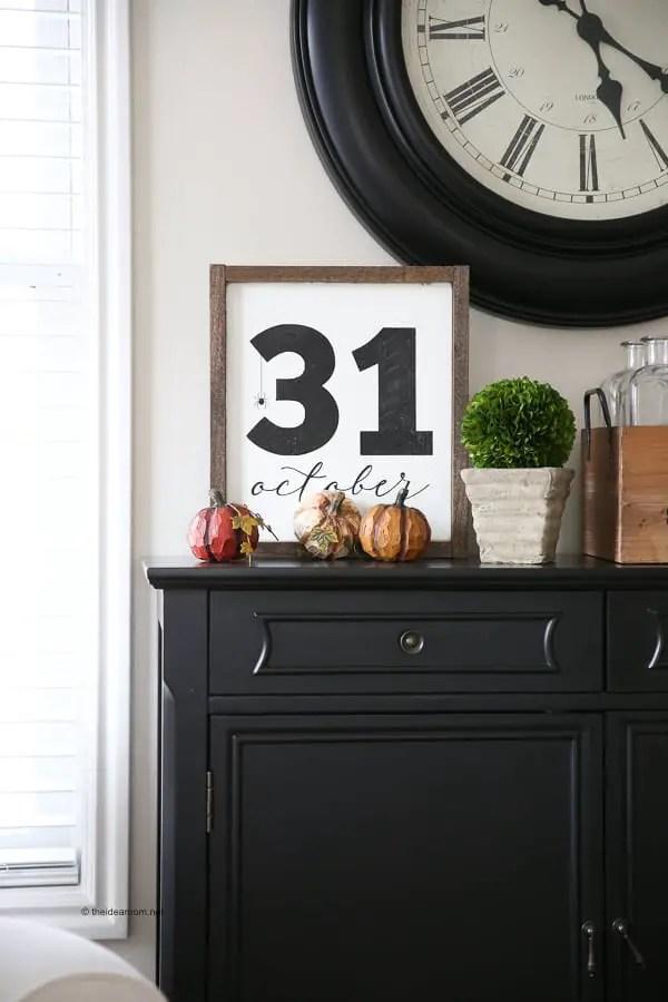 HALLOWEEN October 31st DIY SIGN
