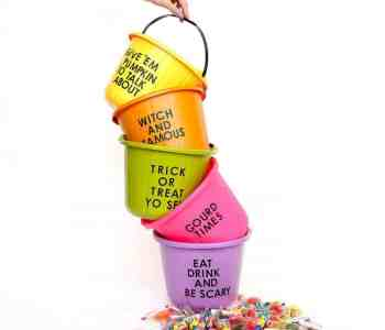 [2020] Beginner's Guide: How To Make Incredible Painted Trick-Or-Treat Candy Buckets