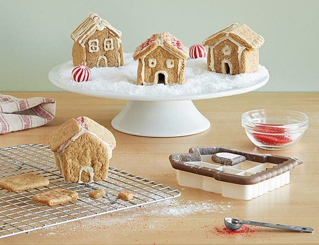 Easy DIY Gifts 2019: Christmas Gingerbread House Village 2020