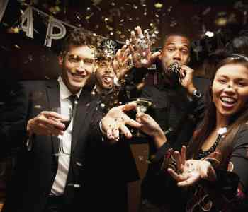 [2020] The 14 Types of People at Your Average New Year's Eve Party
