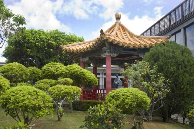 honolulu airport chinese garden