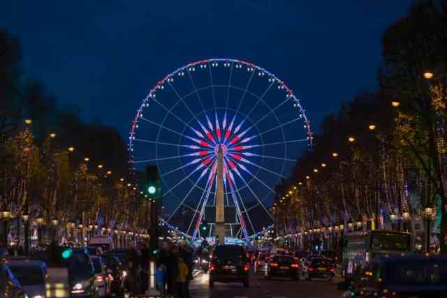 Christmas in Paris. Photo: David C. Phillips
