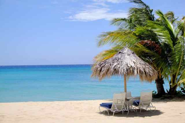 beach of the Jamaica Inn, caribbean islands