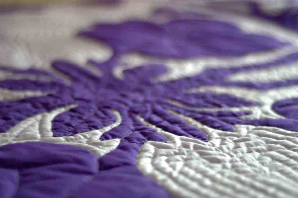Quilt Pattern blanket color Purple and White For Bed