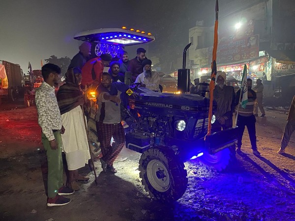 The Punjabi way of protesting at Singhu border, tractor DJ acts as a morale  booster for farmers