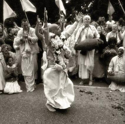 Prabhupāda dancing shortened