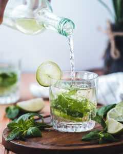 شرب الماء لإنقاص الوزن