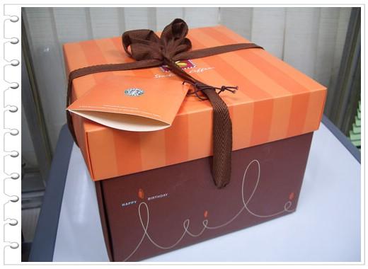 95.03.28  愛吃鬼的生日禮物果然都是食物啊~ @_@ @愛吃鬼芸芸