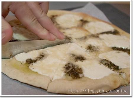 【試吃】黃金比薩屋也有冷凍Pizza外賣了!可惜還是現場吃最威~