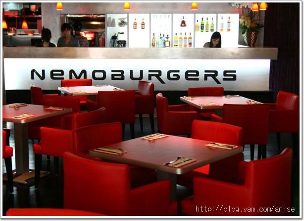 99.07.04 東區‧燒燙燙!7/2 剛開幕的尼莫漢堡