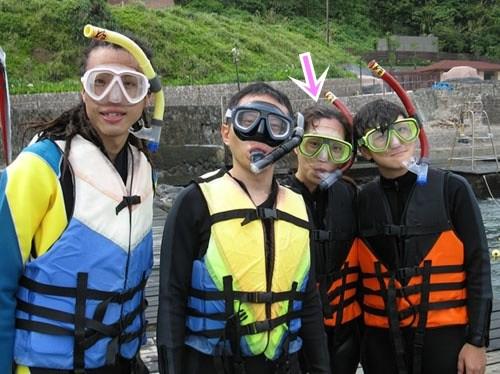 東北角.龍洞灣海洋公園浮潛、龍洞四季灣飆遊艇、寵物泳池