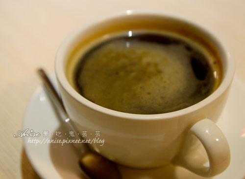 Mina Cafe020.jpg