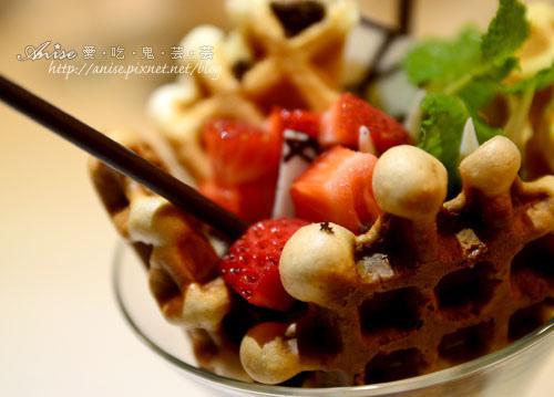 Mina Cafe032.jpg