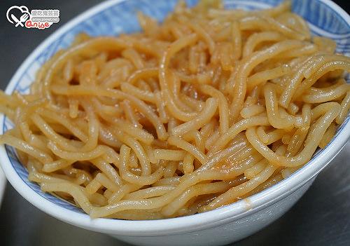 宜蘭美食.北門米粉炒,平價又大碗,煙燻三層肉棒棒!