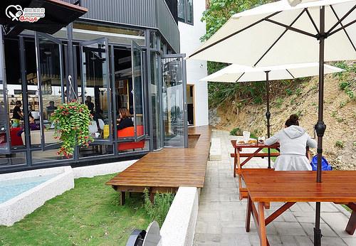 小琉球美食.岩石美式餐廳、灰窯咖啡、貓頭鷹酒吧
