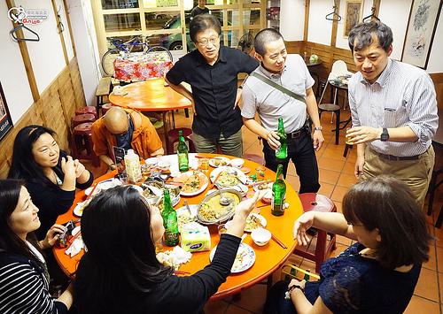 士林美食.鵝肉川(這日本人是怎麼回事?外交官來著嗎?)
