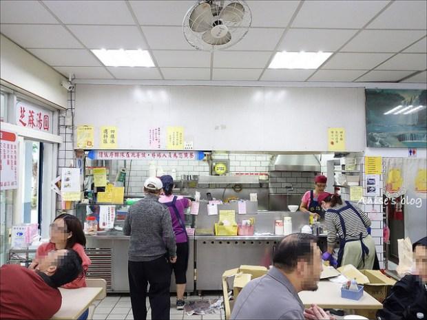 政江號,老字號傳統小吃:湯圓、甜不辣、雞絲麵、各種冰品甜湯…