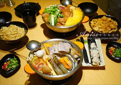 板橋美食.鬼椒一番鍋:泰式酸辣海鮮鍋、椰汁雞肉綠咖哩鍋