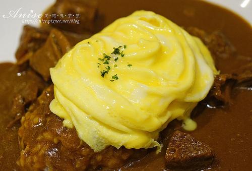北車美食.Izumi Curry,來自大阪的咖哩飯,天使歐姆蛋跟玫瑰花一樣美! @愛吃鬼芸芸