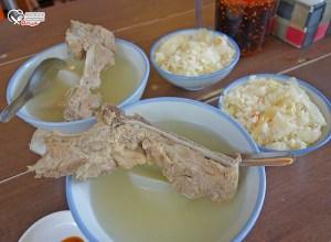 今日熱門文章:延三美食.高麗菜飯原汁排骨湯、新營豆花 @2019米其林必比登推介