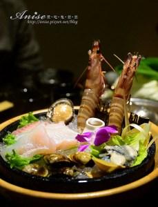 今日熱門文章:焰寓精緻火鍋~海鮮活跳跳、牛肉超鮮甜!(已歇業)