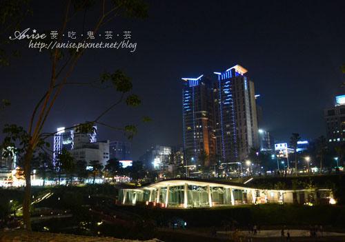 台中市火紅新地標~秋紅谷公園 @愛吃鬼芸芸
