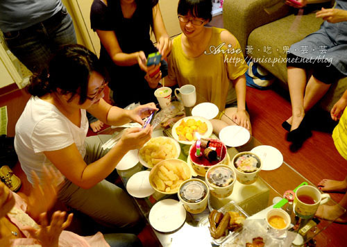 2012姊妹聚會慶雙十! @愛吃鬼芸芸