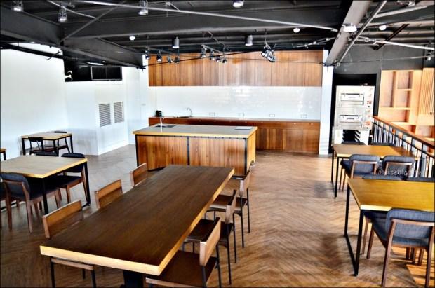 宜蘭新景點餐廳.超品烘焙工坊、綠豆冰糕觀光工廠,書櫃牆IG拍照打卡新亮點