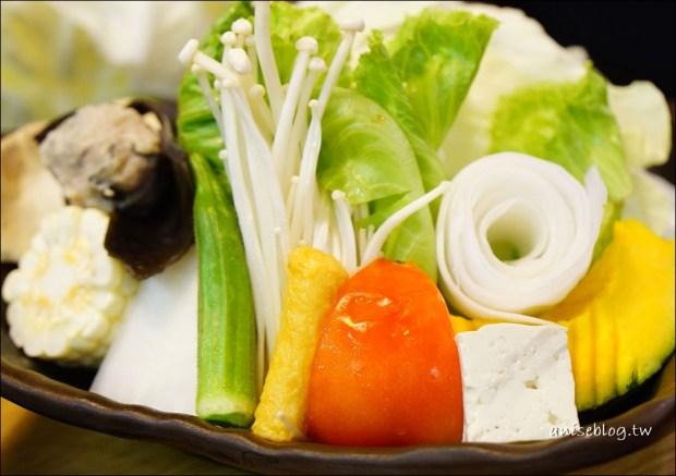 東區美食.小滿鍋物,料好實在海鮮彭湃肉大塊