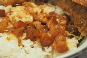 今日熱門文章:松山路金仙魯肉飯,網友極力推薦美味滷肉飯!