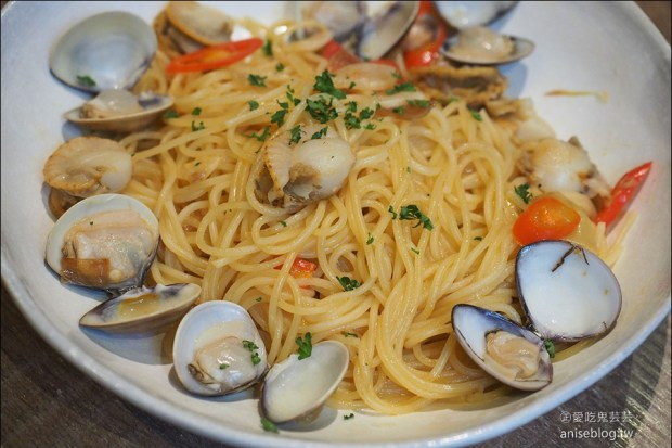 請請義大利餐廳   自己的尾牙自己辦,終於擺脫食運不佳的噩運!