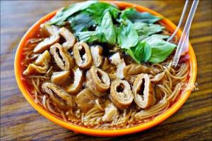 網站熱門文章:阿倍麵線,滿滿大腸美味麵線,三重巷弄人氣美食(姊姊食記)