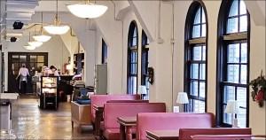 今日熱門文章:中山堂4F劇場咖啡,台北古蹟咖啡館,西門站美食景點(姊姊食遊記)