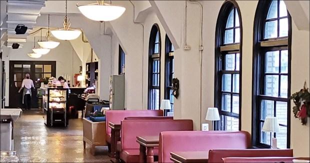 中山堂4F劇場咖啡,台北古蹟咖啡館,西門站美食景點(姊姊食遊記) @愛吃鬼芸芸