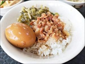 今日熱門文章:唯豐魯肉飯,超值魯肉便當在地推薦小吃,三重平價美食(姊姊食記)