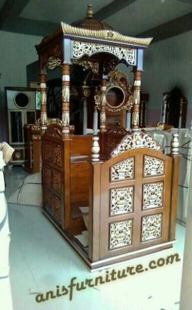 mimbar masjid jati ukuran