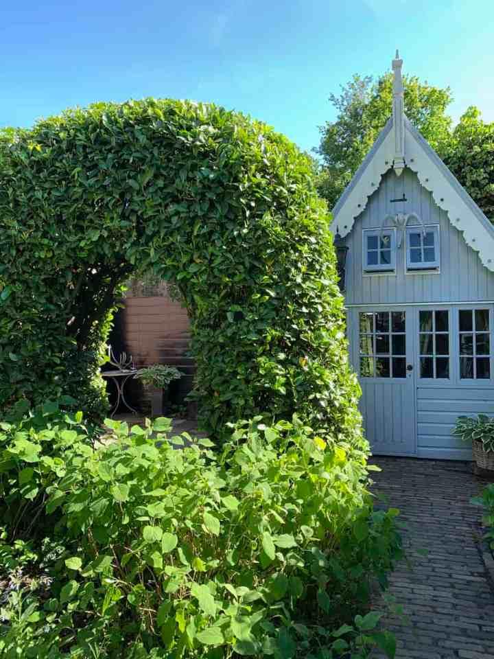 groene boog in mijn tuin