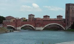 Castelvecchio bridge another view