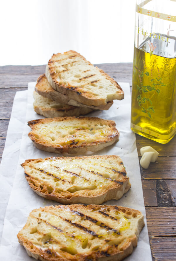 Simple Traditional Italian Bruschetta, simple easy classic Italian bread recipe, a delicious appetizer, a must make with your next barbecue.