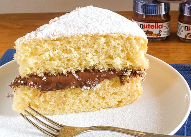 Yellow Cake with Nutella Ciambellone soffice con Nutella a yummy Italian anytime Cake, not too sweet and dairy free, you pick the filling.