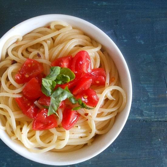 Spaghetti, aglio, olio e peperoncino (garlic,oil and hot pepper flakes)