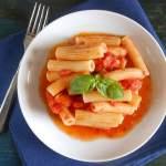 easy tomato sauce / An Italian in my kitchen